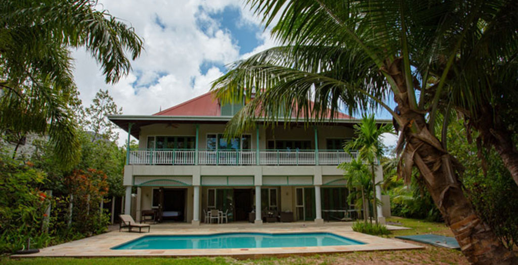 front beach view Villa 4 bedrooms with private Sweeming pool